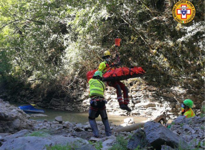 escursionista scivola nella scarpata lungo il lago di Vagli – con pegaso a lucca
