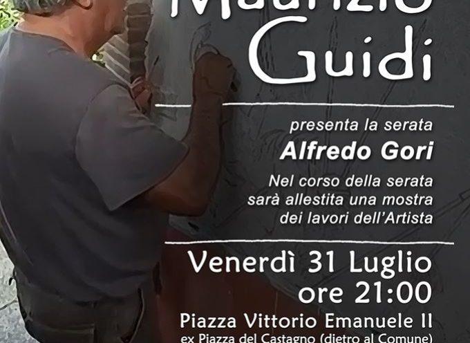 Pescaglia, nella piazzetta dietro al Comune, incontro con Maurizio Guidi