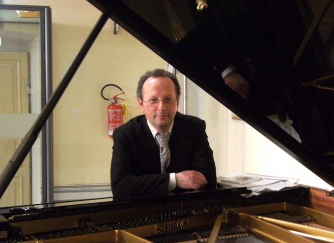 Il pianista Fabrizio Giovannelli interpreta La Musica delle Tenebre