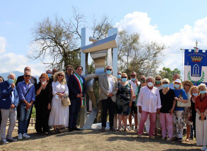 """rinasce il """"Prometeo"""" di Tagliolini, vernissage per il restauro della sua scultura a Motrone"""