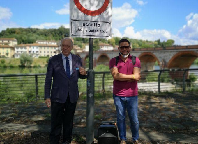 Parco fluviale del Serchio: 60 nuovi cartelli per impedire l'accesso ai mezzi a motore.