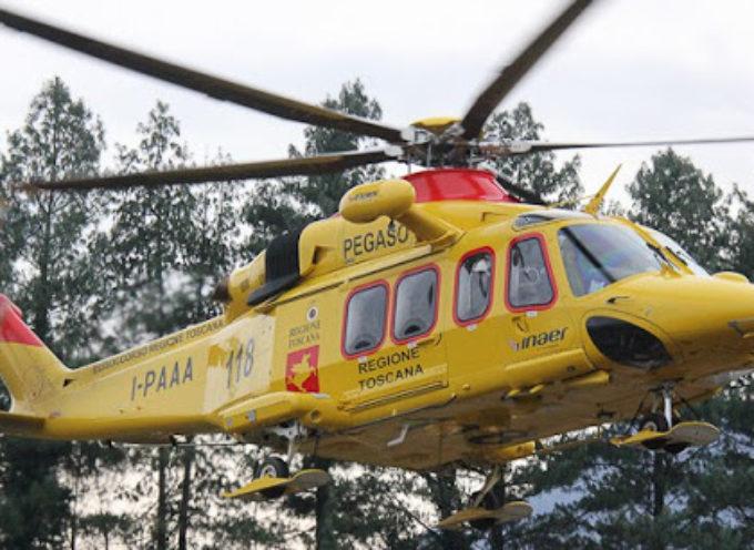 Nel tardo pomeriggio Pegaso 3 è intervenuto a Palaia (PI) per soccorrere un uomo infortunatosi mentre si trovava a bordo del trattore.