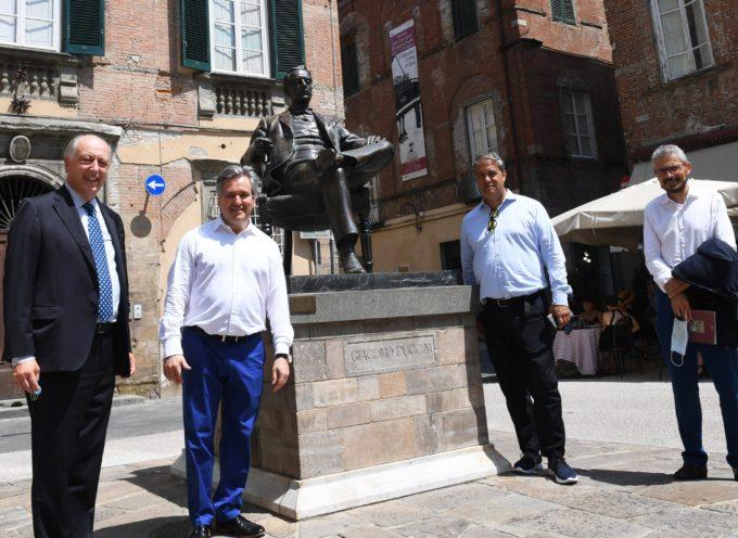 Il direttore d'orchestra Antonio Pappano in visita al Puccini Museum