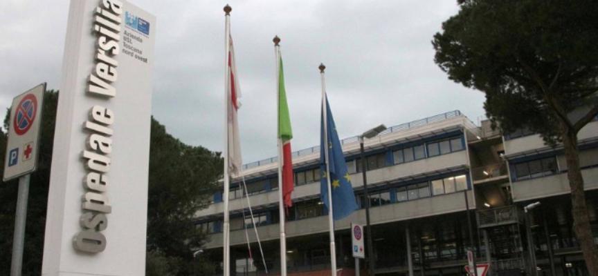 Versilia, sosta selvaggia in ospedale; Marchetti (FI): «Posti pochi e cari
