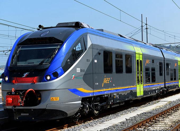 Auto urtata dal treno, tragedia sfiorata al passaggio a livello di Ceserana