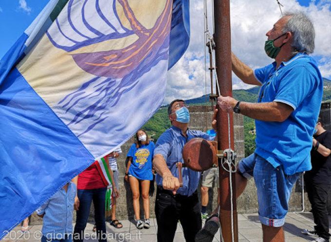 La tradizione della bandiera di San Cristoforo, simbolo della rinascita
