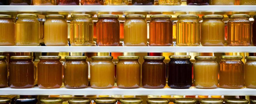 """Allarme falso miele """"made in China"""", economico ma allungato con sciroppo di zucchero"""