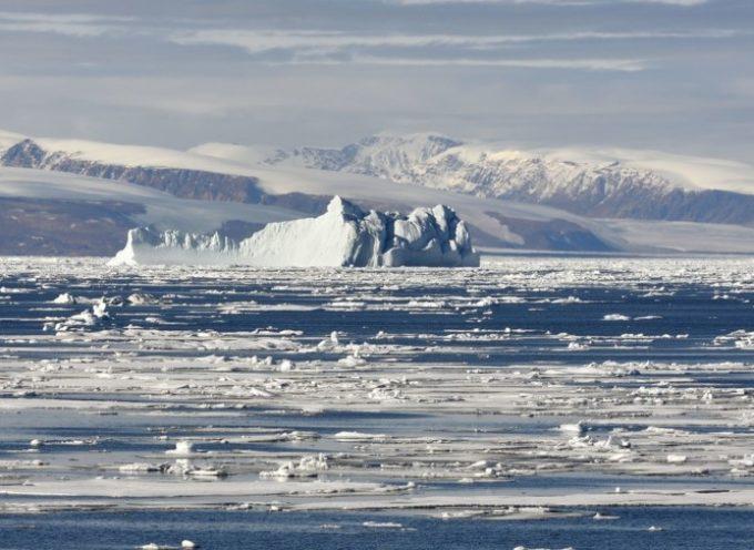 L'Artico è troppo caldo, crollata una piattaforma di ghiaccio grande comeManhattan