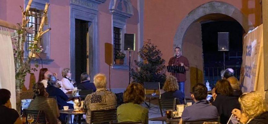 CASTELNUOVO DI GARFAGNANA – Si è svolto ieri sera il primo appuntamento con le letture dell'Orlando Furioso di Alessandro Bertolucci.