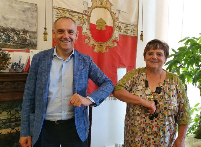 Oggi ho salutato Tina Centoni, la dirigente scolastica dell'istituto comprensivo di Capannori, che va in pensione dopo 33 anni di servizio.