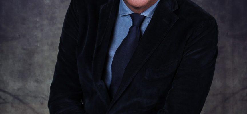 """In Versiliana torna protagonista la prosa  con Corrado Tedeschi e Claudio Moneta  in """"Lezione semiseria di un uomo dal fiore in bocca"""""""