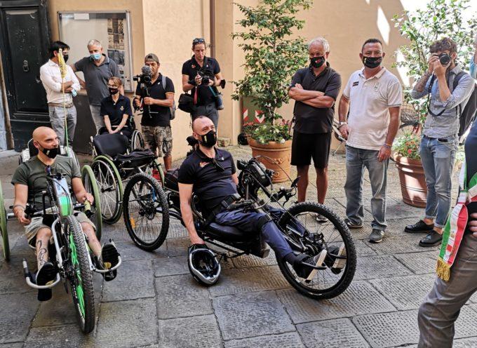 Danilo Ragona e Luca Paiardi, fondatori del progetto Viaggio Italia around the world in handbike a Palazzo Orsetti