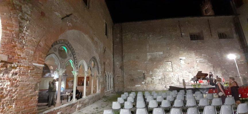 jazz e teatro protagonisti nel chiostro di Santa Caterina al Real collegio