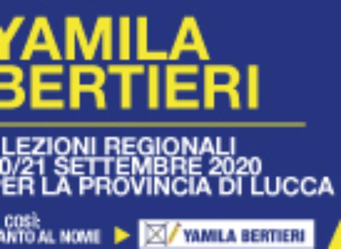 la candidata alle regionali Yamila Bertieri, domenica  a Viareggio