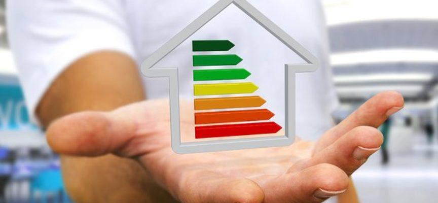 Come risparmiare energia: 10 trucchi infallibili
