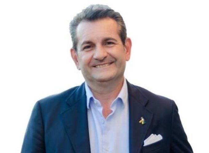 """Simoni (Fratelli d'Italia): """"Piscina di Viareggio, il sindaco fa il gioco delle tre carte"""""""