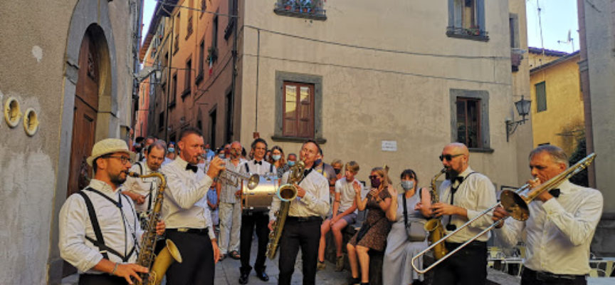 Barga in jazz richiama tanta gente con le Street Band