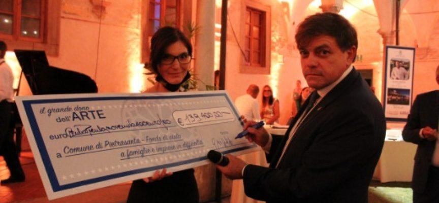 """210 mila euro da asta charity """"Il Grande Dono dell'Arte"""" a Pietrasanta,"""