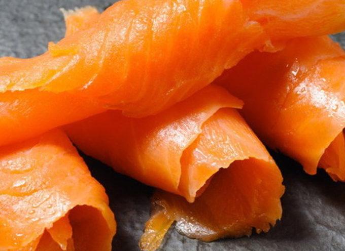 Rischio listeria, richiamato un lotto di salmone norvegese affumicato.