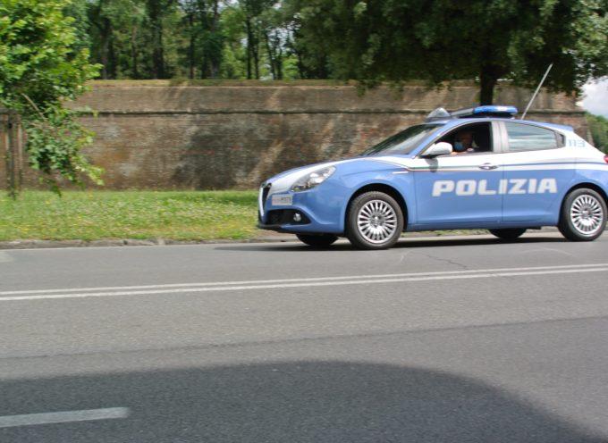 La Squadra Mobile ha denunciato un cittadino algerino che aveva rubato alcuni oggetti a bordo di un camper parcheggiato in viale Luporini.