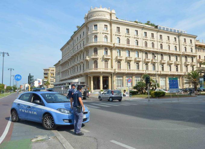 Le Volanti del Commissariato di Viareggio hanno #arrestato un cittadino marocchino per il reato di lesioni aggravate nei confronti di una donna algerina.