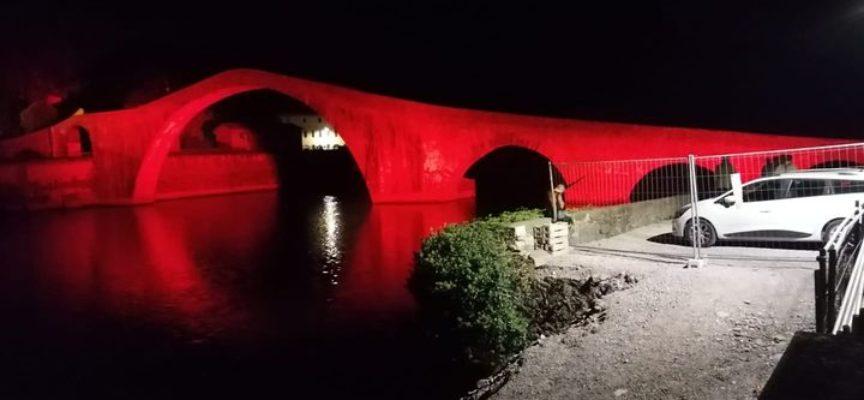La nuova illuminazione del Ponte del Diavolo prevede diversi tipi di colori
