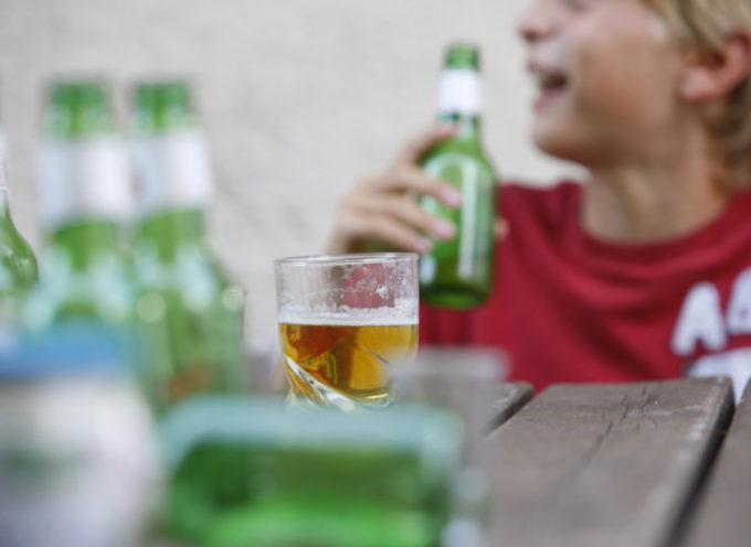 Dopo il lockdownsono aumentate le intossicazioni alcoliche tra gli adolescenti