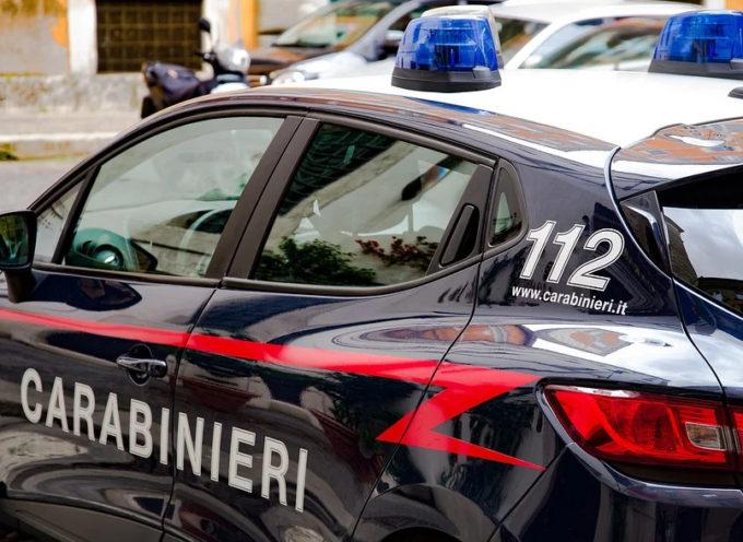 Due cittadini italiani sono stati tratti in arresto a Lucca, nella serata di ieri , per furto su autovettura.
