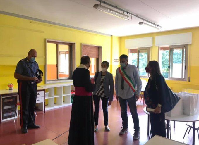 Obbligo di mascherina a Pescia dalle 7,30 alle 8,30 e dalle 11 alle 13,30 nelle strade interessate dal trasporto pubblico locale legato alle scuole