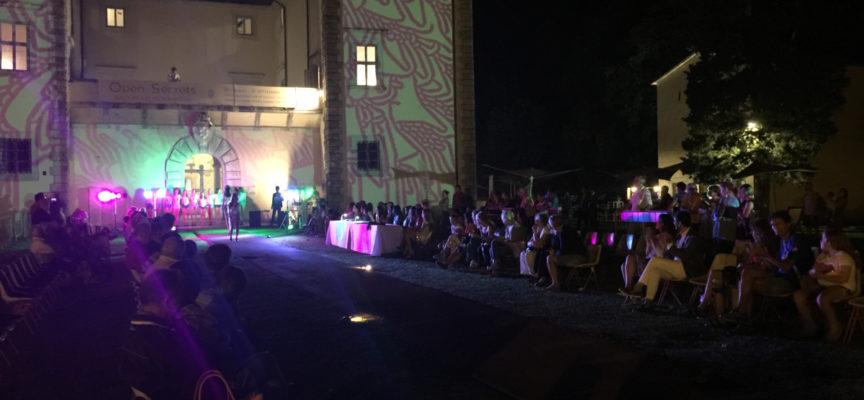 Nei giardini di Palazzo Mediceo sfilano le bellezze del concorso Miss Blumare 2020.