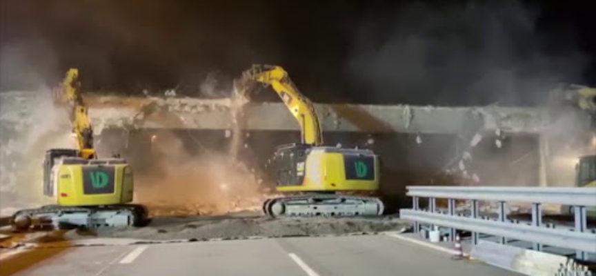 Demolito il cavalcavia di via Pisanica: a febbraio il nuovo ponte