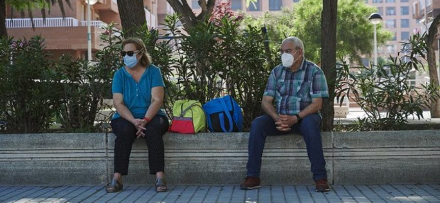 Nuovo DPCM di ottobre, anticipazioni: obbligo mascherina all'aperto in tutta Italia