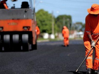 CASTELNUOVO DI GARFAGNANA – lavori di rifacimento dall'asfalto.