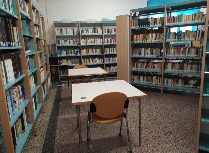 Studio, lettura, navigazione: riaperti al pubblico gli spazi della biblioteca di Porcari