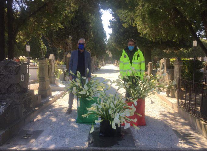 """Giurlani """" Ai cimiteri a trovare i nostri cari con i fiori di Pescia """""""