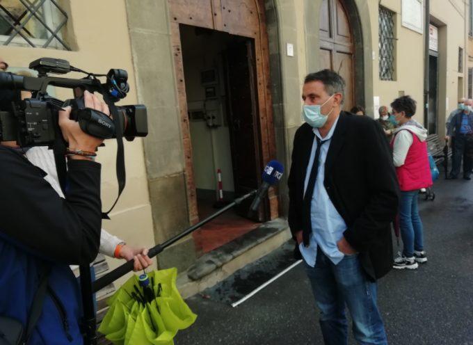 Il sindaco Giurlani firma l'ordinanza che obbliga all'uso delle mascherine per tutto il giorno nel territorio comunale di Pescia