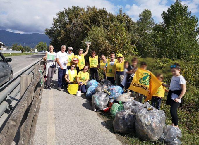 Puliamo il mondo, una domenica di volontariato ambientale sulla Torretta a Porcari