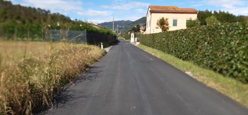 Avanti con gli asfalti sulle strade del comune di Lucca: questa settimana lavori in notturna su viale Carlo del Prete, via Papi e via Cavalletti