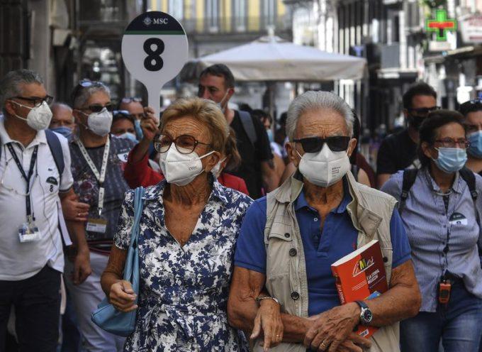 Isolare gli anziani potrebbe ridurre la mortalità del COVID-19? Lo studio dell'ISPI