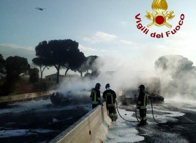 Incidente sulla superstrada Fi-Pi-Li, tratto tra Empoli e San Miniato: spento l'incendio,