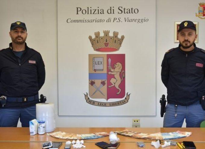 Le Volanti deL Commissariato di Viareggio hanno proceduto all'arresto di 3 cittadini extracomunitari per detenzione ai fini di spaccio di sostanza stupefacente.