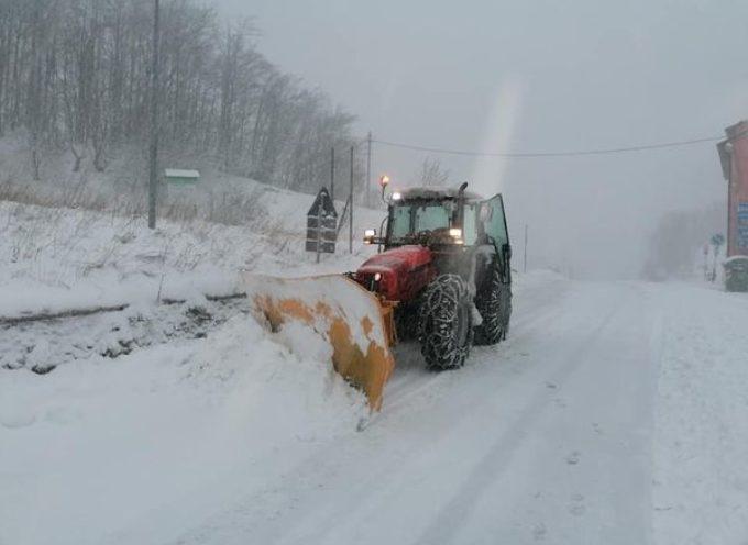 GARFAGNANA – Irrompe il Generale Inverno; freddo e neve oltre i mille metri