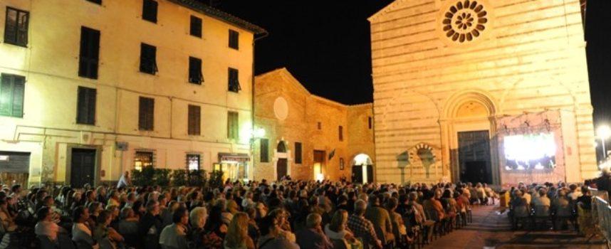 aperto fino al 30 dicembre il bando della Fondazione Cassa di Risparmio di Lucca dedicato al sostegno di progetti e attività culturali.