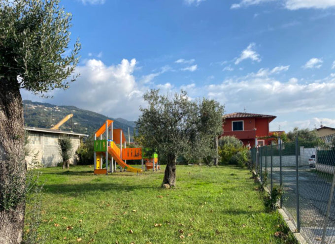 Lavori pubblici: riqualificazione e nuove attrezzature ludiche per quattro giardini pubblici di Seravezza, Ripa e Pozzi