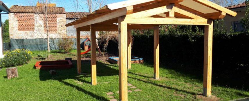 Pronto il nuovo pergolato in legno all'asilo nido di Toringo
