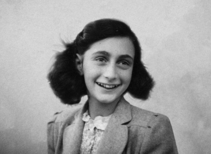 Saranno rimossi a Campori i cartelli su Anna Frank e Matilde di Canossa