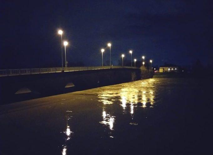 Ore 22.58 Ponte San Pietro, sta transitando in questi minuti il picco – inferiore al previsto –