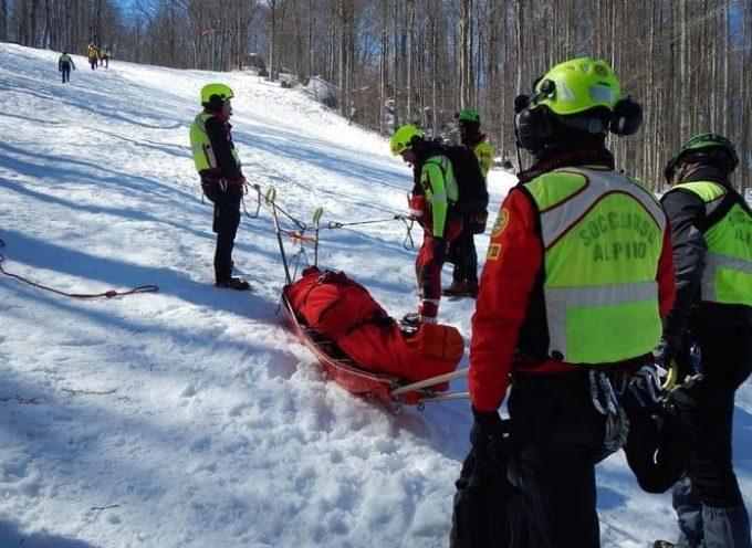 Doppio intervento per i tecnici del Soccorso Alpino Toscano nel primo giorno di riapertura della regione.