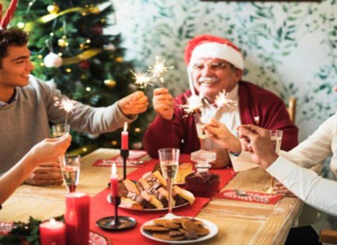 Ricongiungimento genitori anziani e figli a Natale: cosa ha deciso il governo