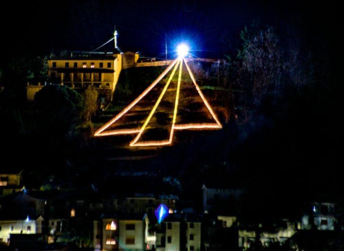 La Banca della Versilia Lunigiana Garfagnana dona 15 pacchi natalizi ai più bisognosi
